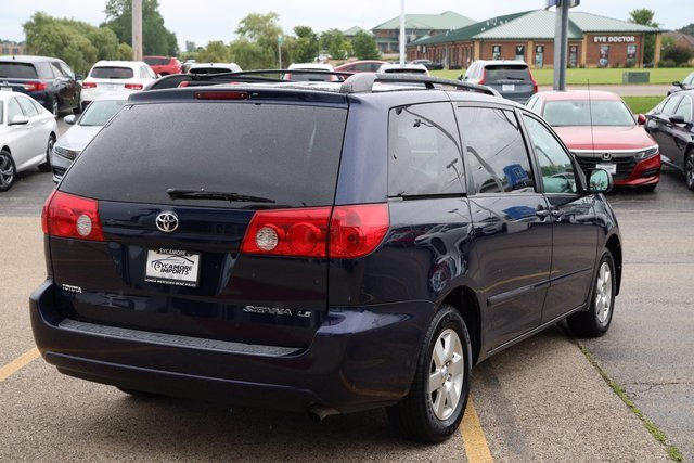 Pre-Owned 2006 Toyota Sienna