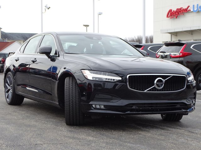 Certified Pre-Owned 2018 Volvo S90 Momentum AWD
